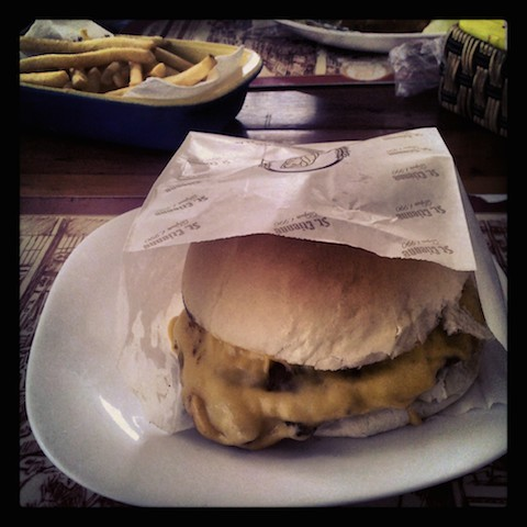 Burger at St. Etienne