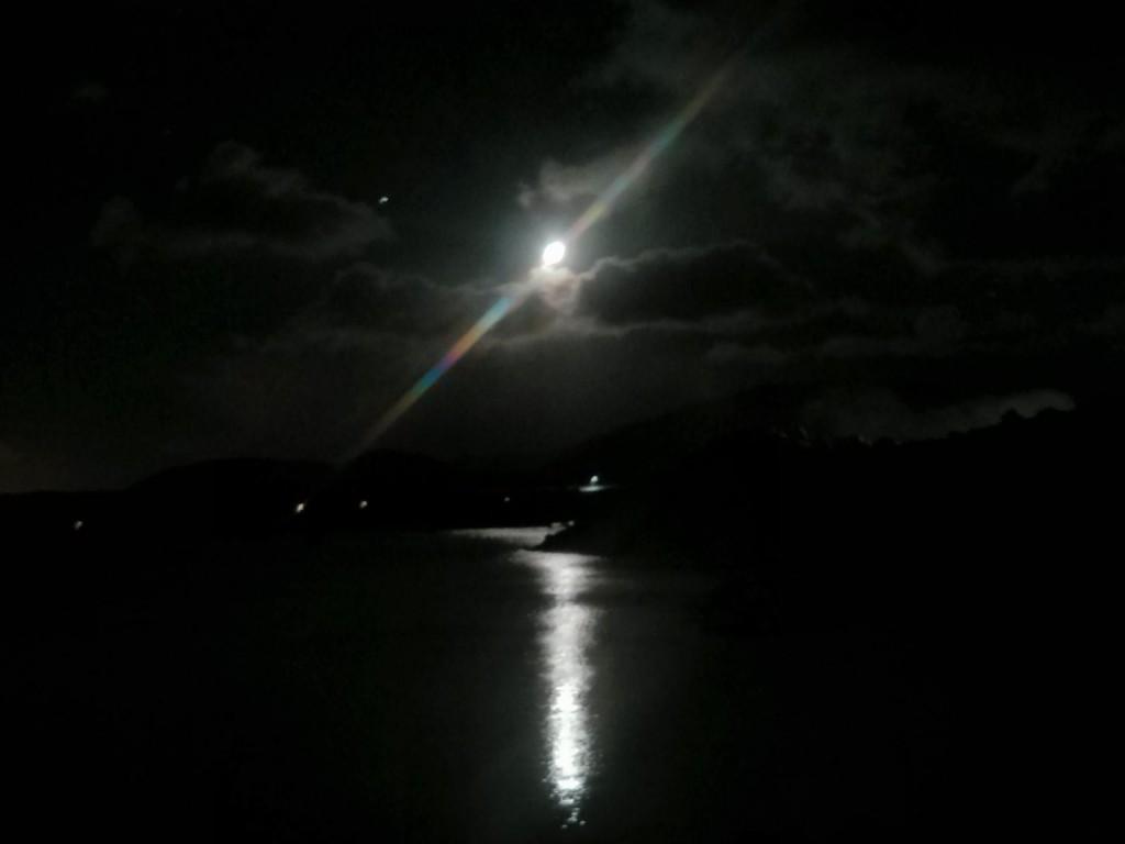 Die blaue Lagune... bei Nacht