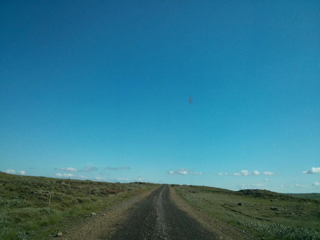 Eine Schotterpiste in Island