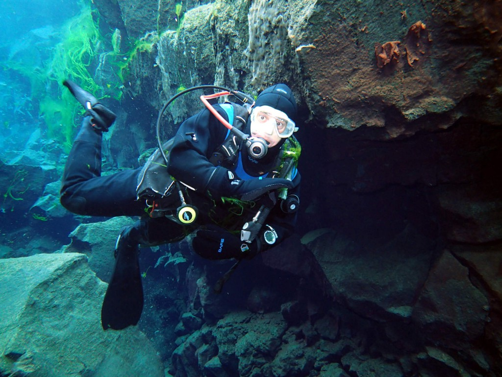 Scuba diving in Davidsgjá