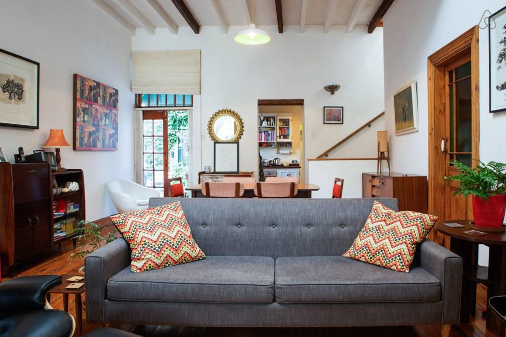 Ein Blick in Lauras Wohnung bei AirBNB